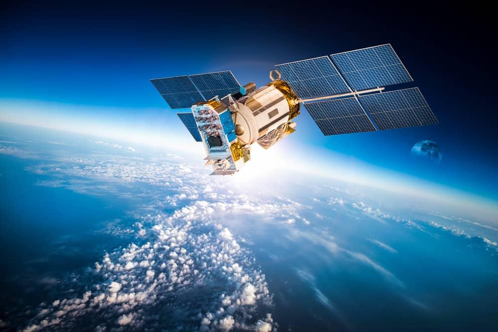 Биткойн сателит в космоса